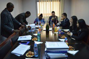 Le document objet du marché relatif à l'appel d'offres restreint aux travaux de construction du club multifonctionnel à NTOUN, phase 1.